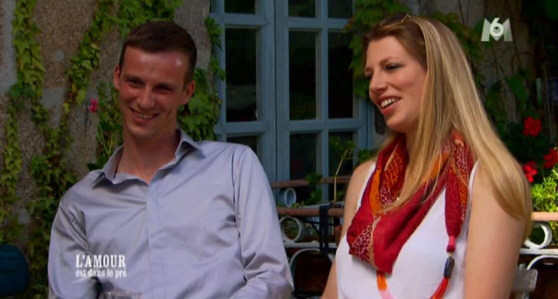 Après lui avoir dit au revoir, Emeline a repris contact avec Aurélien et depuis, ils filent le parfait amour.
