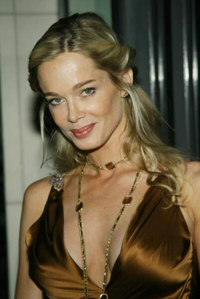 Jennifer Gareis, en 2007, a remplacé Carrie dans le rôle de Donna Logan