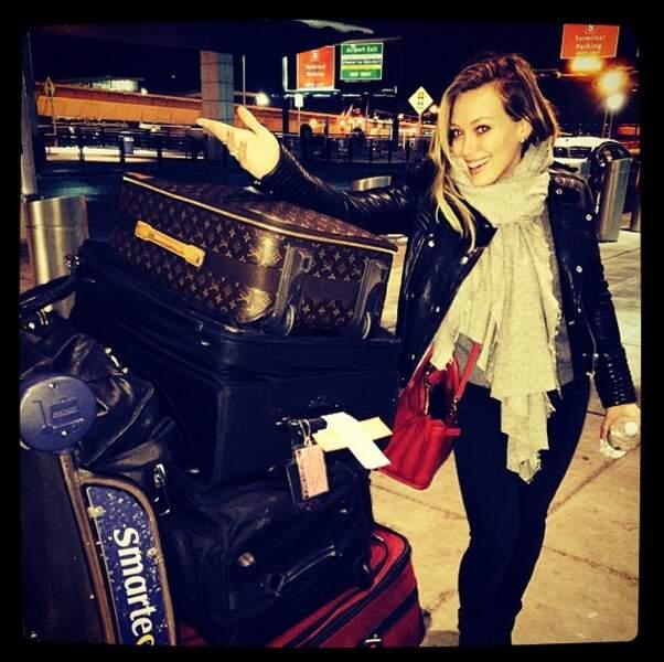 Et Hilary Duff qui voyage léger, très léger