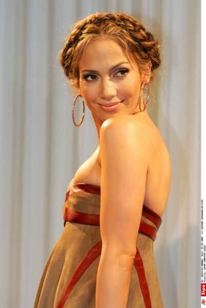 Elle arbore une jolie tresse couronne dans un style tyrolienne, pour la sortie de son films Shall we dance.