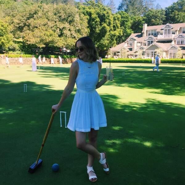 Et une championne du style, même quand elle joue au croquet