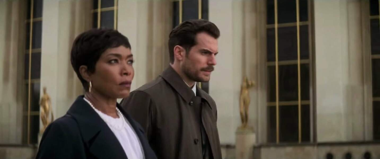 Il a des relations difficiles avec Erica Sloane (Angela Bassett) la directrice de la CIA.
