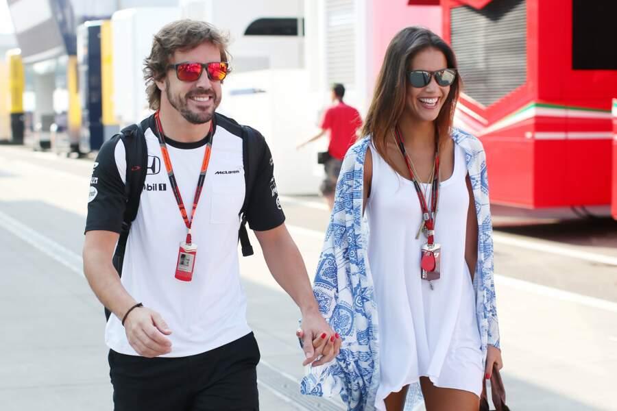 Le sportif Fernando Alonso et Lara Alvarez, en couple depuis 2014.