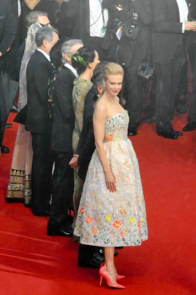 Nicole Kidman a un petit air espiègle... Peut-être qu'elle repense à ses escarpins fluos