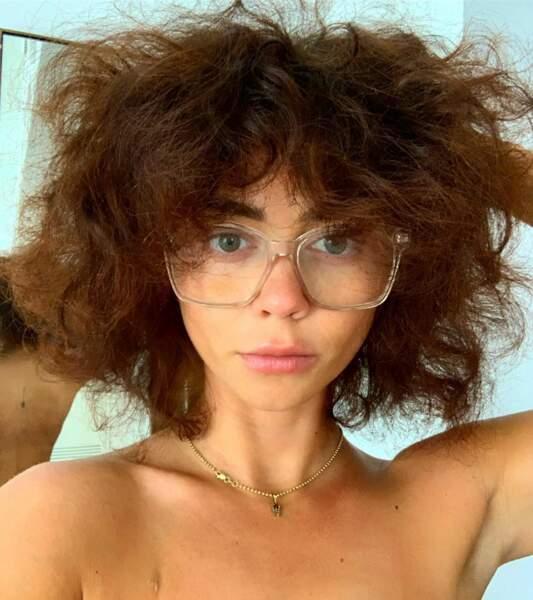 Sarah Hyland n'hésite pas à se montrer au naturel, maquillage ou cheveux…