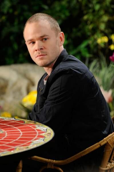 L'acteur est transformé dans la série Warehouse 13. Il a aussi décroché un rôle dans la fiction Locke and Key sur Netflix