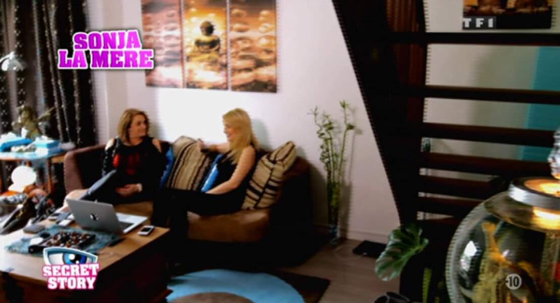 """""""Sonja adore faire son marché sur les sites de rencontre"""", selon La Voix. ALERTE COUGAR dans la Maison !!!"""