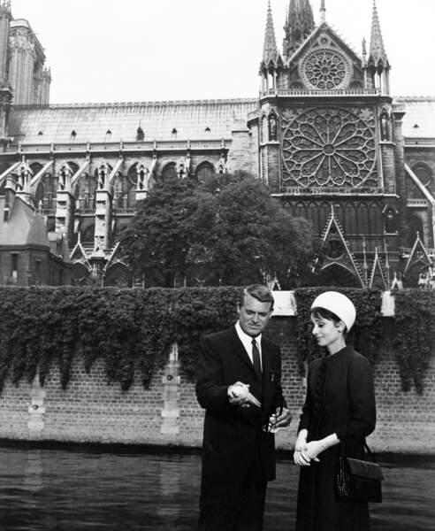 """Non, c'est pour le film """"Charade"""" (1963)  avec Cary Grant, où des monuments de la capitale sont mis en valeur"""