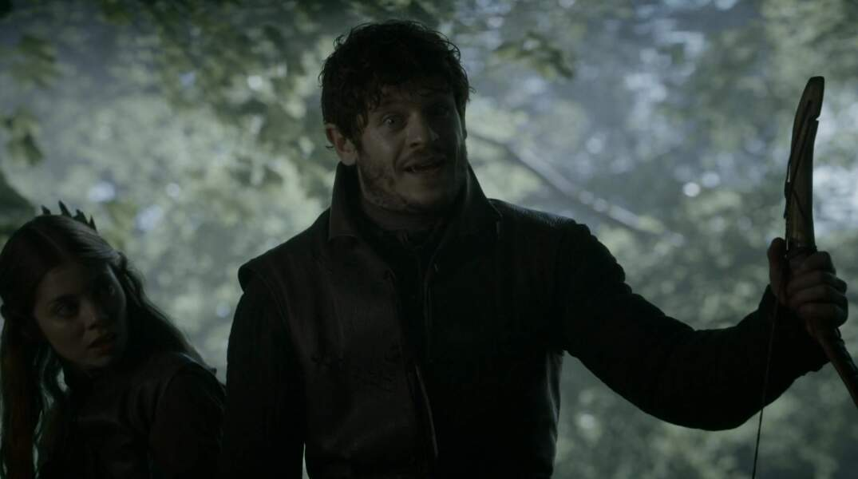 Iwan Rheon (Ramsay Snow)