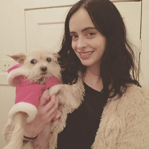 Krysten Ritter (Jessica Jones) le fait avec son chien !