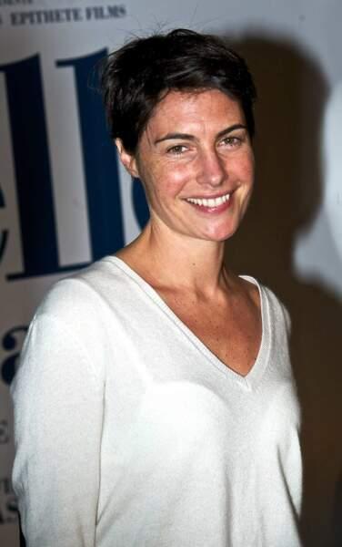 Alessandra Sublet, jolie avec toutes ses tâches de rousseur