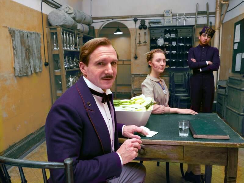 Elle doit être habituée à donner la réplique à de grands acteurs : ici avec Ralph Fiennes pour Grand Budapest Hotel