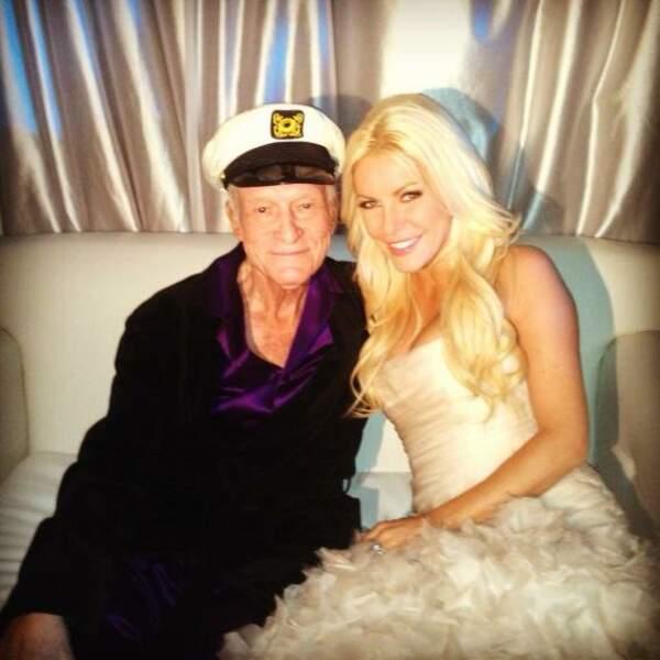 Jeune marié, le Mister Playboy Hugh Hefner vous souhaite d'être aussi veinard que lui !
