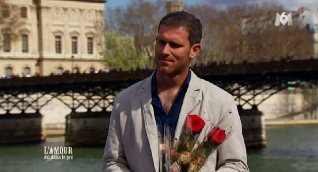 Marc se prend pour le Bachelor. Il s'est juste trompé de chaîne !