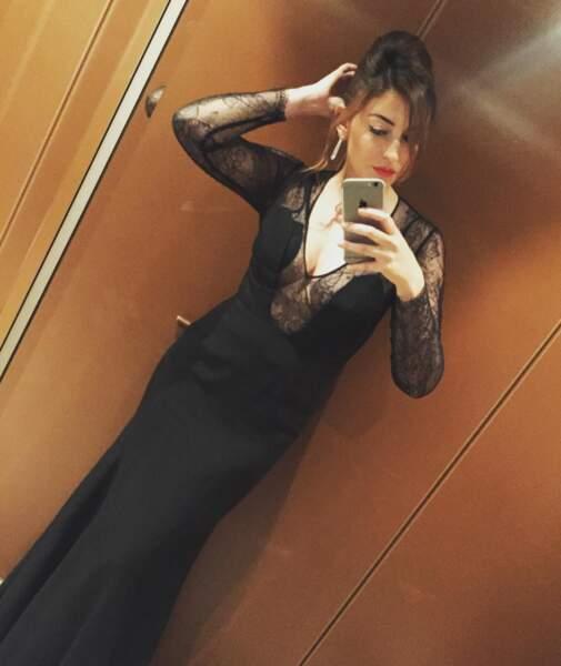 Selfie ascenseur pour Rachel Trapani