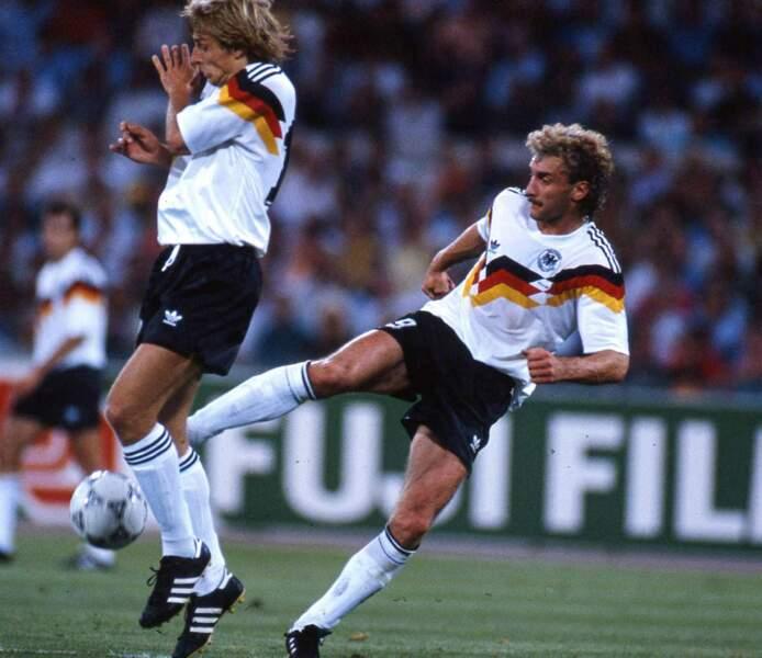 6. Jürgen Klinsmann (Allemagne) 11 buts