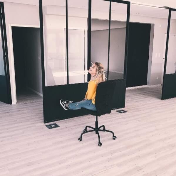 On commence avec la joie d'EnjoyPhoenix qui vient d'obtenir ses premiers bureaux à Lyon.