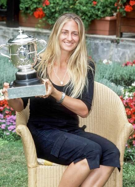 En 2000, Mary Pierce, finaliste 6 ans auparavant, est enfin couronnée. C'est la dernière à ce jour !