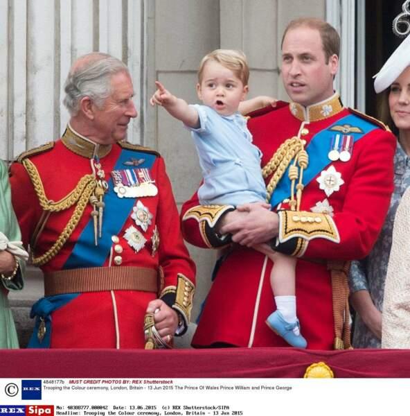 Il découvre les joies des cérémonies, ici en juin 2015 pour l'anniversaire officiel d'Elizabeth II