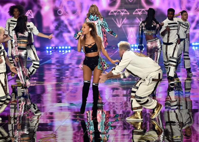 Ariana Grande est venue pousser la chansonnette, elle aussi