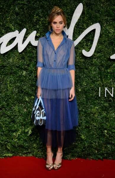 Suki Waterhouse, la girlfriend de Bradley Cooper, avait choisi la même couleur de robe : le bleu !
