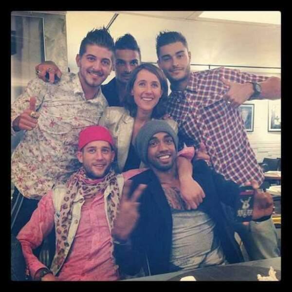 Les Marseillais à Miami posent avec leur productrice Alexia Laroche-Joubert