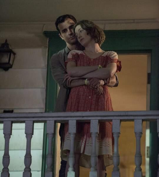 Une saison où le couple formé par Justin Theroux et Carrie Coon devra se serrer les coudes...