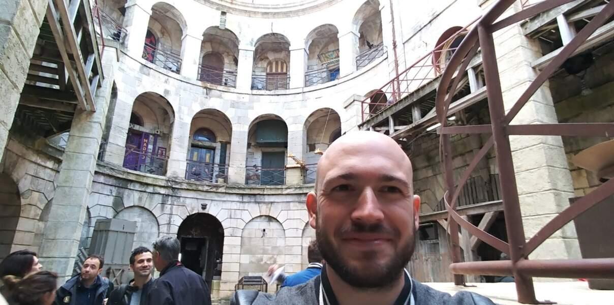 Grégory Vacher, animateur sur Fun radio, partage sa première fois sur le Fort