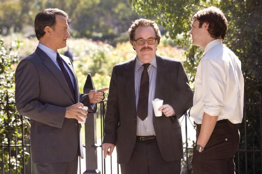 Tom Hanks, Philip Seymour Hoffman et Christopher Denham dans La Guerre selon Charlie (2008)