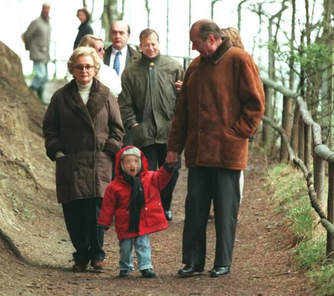 """Tout comme Jacques, """"Bernie"""" fond devant son unique petit-fils, Martin, né en 1996"""