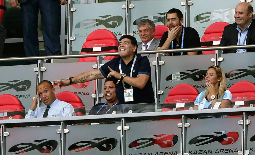 Diego Maradona jubile car l'Argentine mène au score, mais sa joie sera de courte durée.