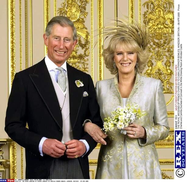 Après avoir divorcé tous les deux, ils se marient enfin le 9 avril 2005, ils ont 57 et 58 ans !