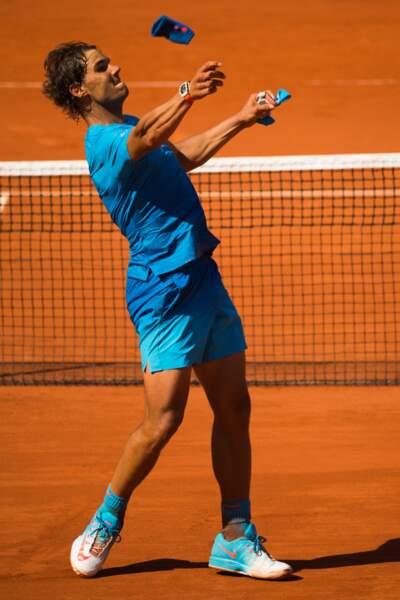 Rafael Nadal amorce aussi un strip-tease, plus soft