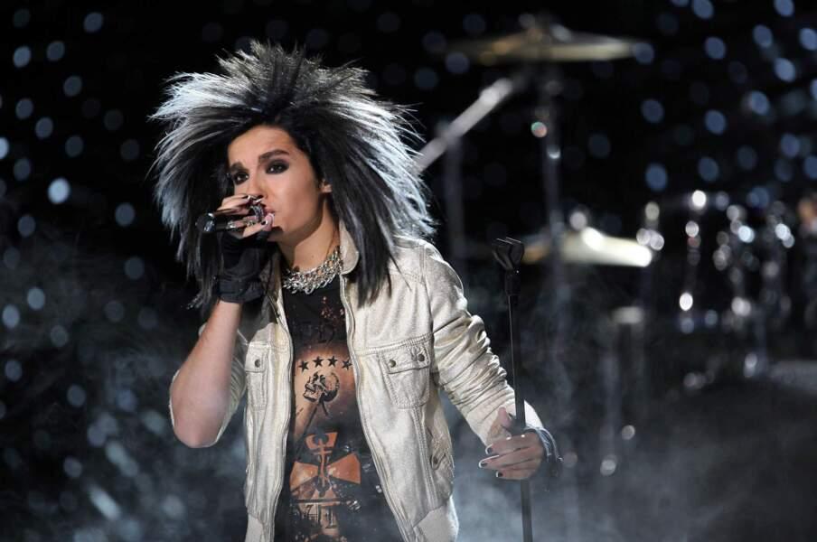 2008, Bill Kaulitz, le chanteur punk du groupe Tokio Hotel sur scéne, Perruque ou vraie coiffure ?