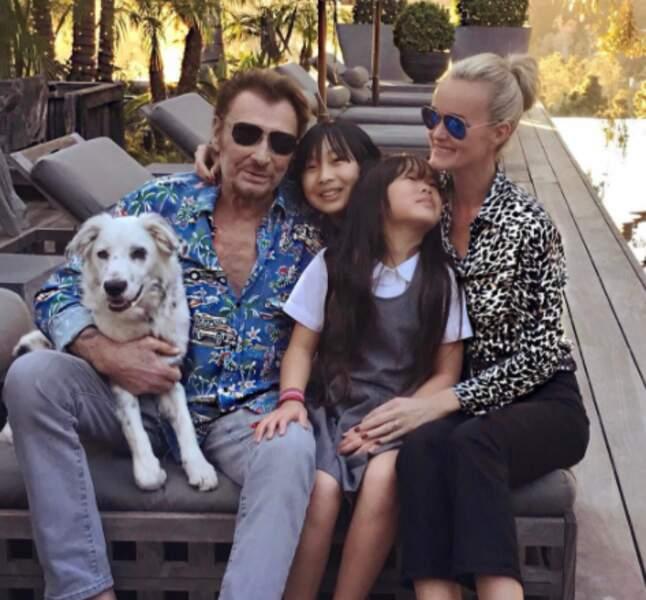 Et les Hallyday ont publié ce cliché pour remercier les fans de leur soutien face au cancer de Johnny.