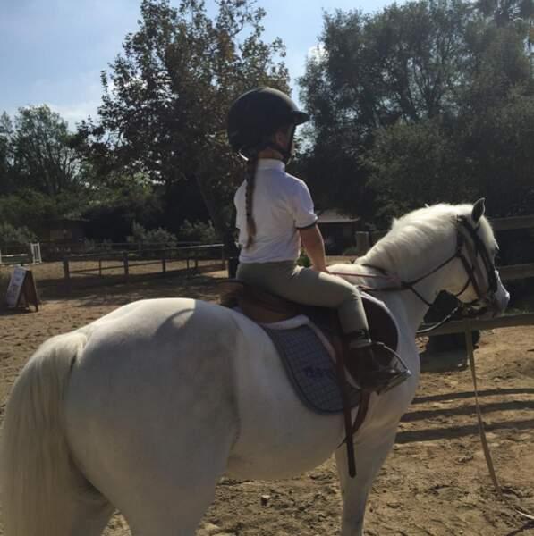 Et Harper a fait du poney ! Encore un peu et elle aura déjà 18 ans.