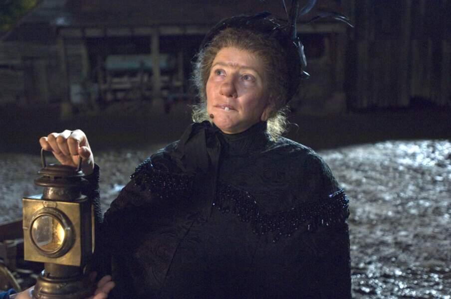 Méconnaissable dans le rôle de Nanny McPhee, la nurse laide...