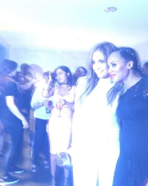 Kerry Washington, enceinte, s'est éclatée au concert de Jennifer Lopez