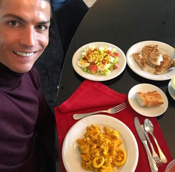 Un repas chez Cristiano Ronaldo (pour une personne). Ça fait flipper.