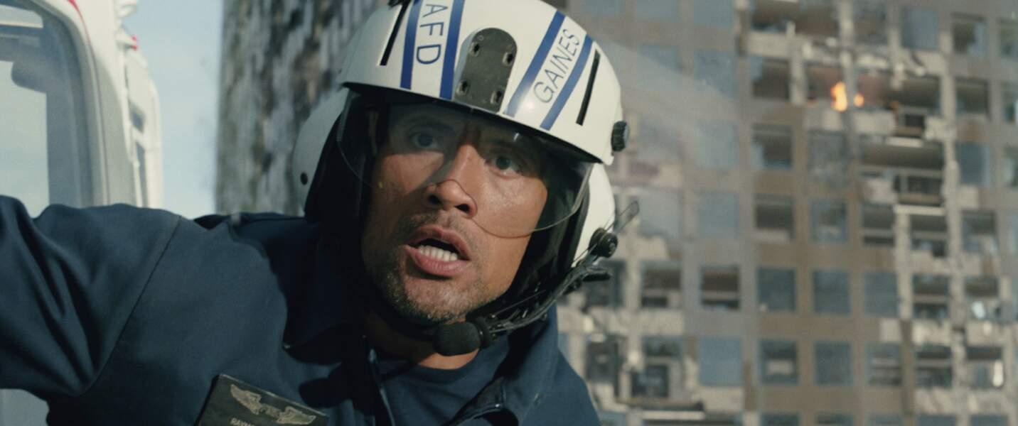 Dans San Andreas (2015), Dwayne Johnson joue un secouriste face à l'ouverture de la faille du même nom.