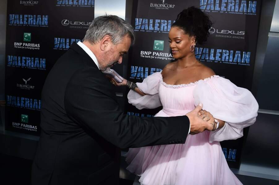 Et hop, Rihanna en a profité pour danser avec le réalisateur. C'était festif !