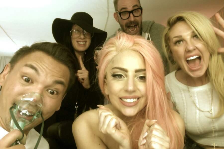 Lady Gaga voit la vie (et ses cheveux !) en rose depuis la réélection de Barack Obama