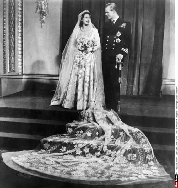 En 1947, la princesse Elisabeth épouse le prince Philip, qui devient duc d'Edimbourg