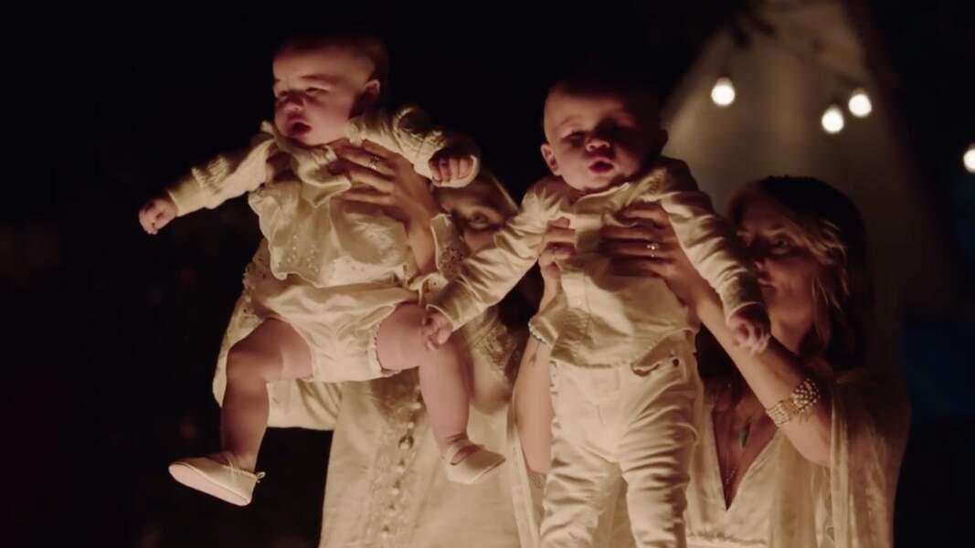 Alice Cooper (Mädchen Amick) dans une secte inquiétante.