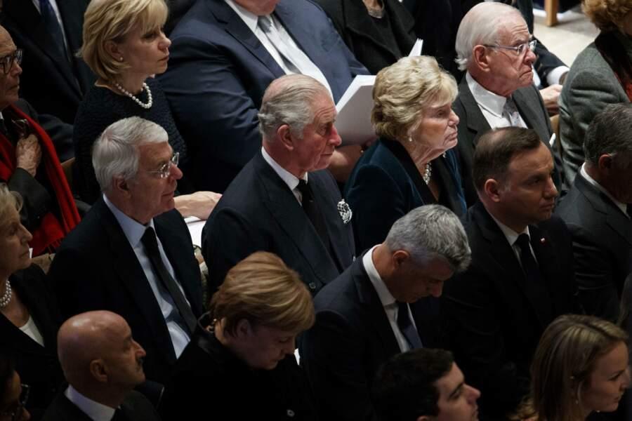 D'autres représentants de pays étrangers étaient également présents, comme ici le prince Charles