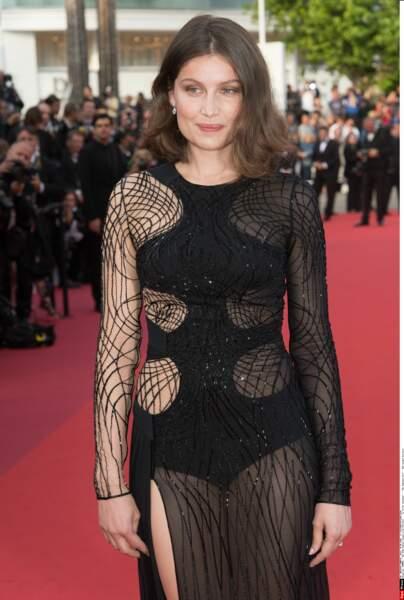 Pas sûr que Louis, à Cannes pour Mal de Pierres aux côtés de Marion Cotillard, valide ce choix de robe...