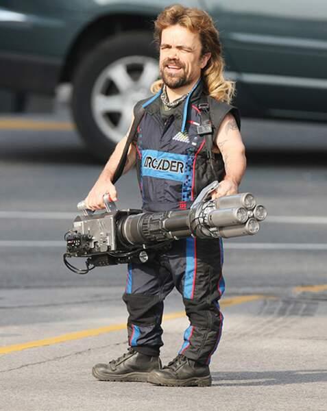 On n'avait jamais remarqué, mais Peter Dinklage est en fait le sosie de Chuck Norris !