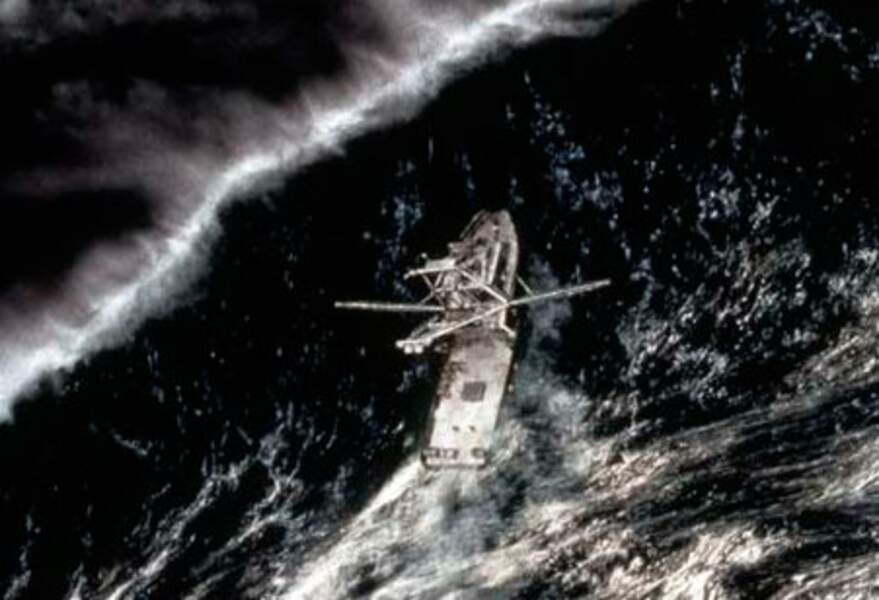 En pleine tempête (2000) : l'histoire vraie d'un bateau de pêche pris dans des vagues géantes.