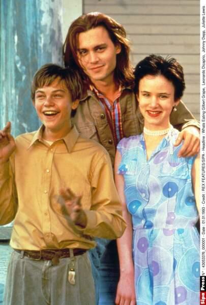 Mais il rencontre la jolie Juliette Lewis en 1993 sur le tournage de Gilbert Grape (Oui, c'est DiCaprio avec eux !)