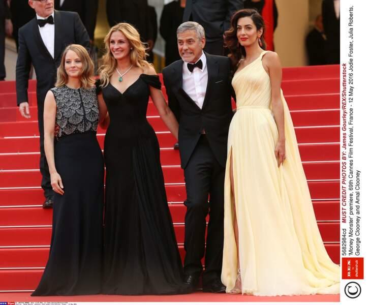 George Clooney dans son slip trop serré